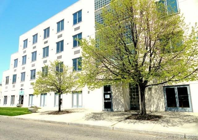Reduced Price! – Norwalk condo for sale: 49 Day St # 307